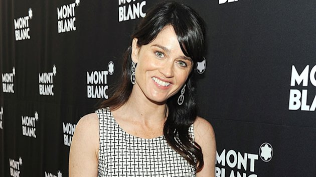 'Mentalist' Star Robin Tunney Engaged
