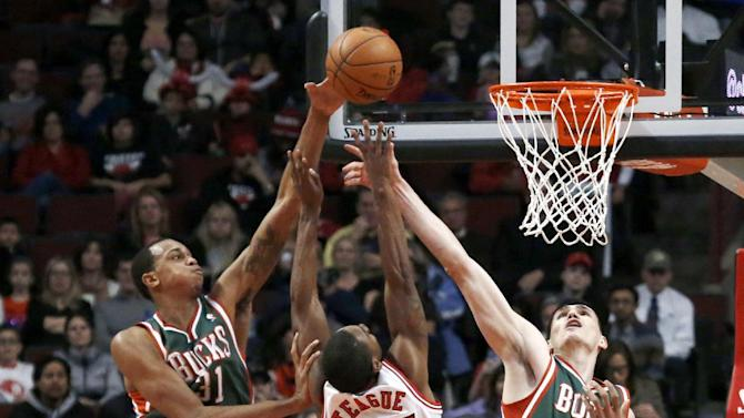 Henson helps Bucks rally past Bulls, 78-74