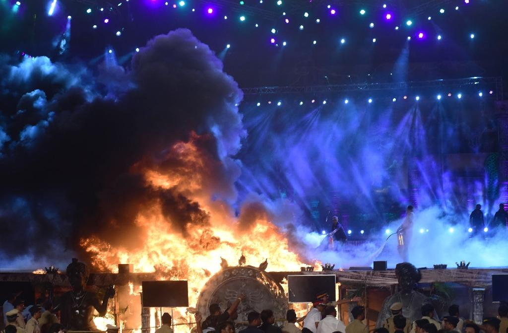 Huge fire in Mumbai guts 'Make in India' stage