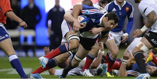 Rugby - XV de France Chouly poursuit son avancée