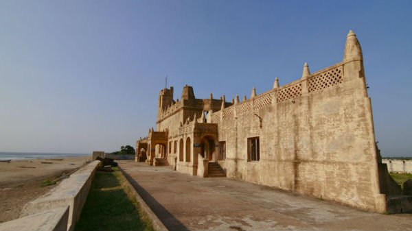 A view of Tranquebar Fort, built by Danish settlers. The Danish enjoyed the support of the British and were more traders and missionaries than military colonialists. They, however, had their eye on the island of Nicobar.