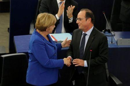 Merkel, Hollande plead for unity in face of EU crises
