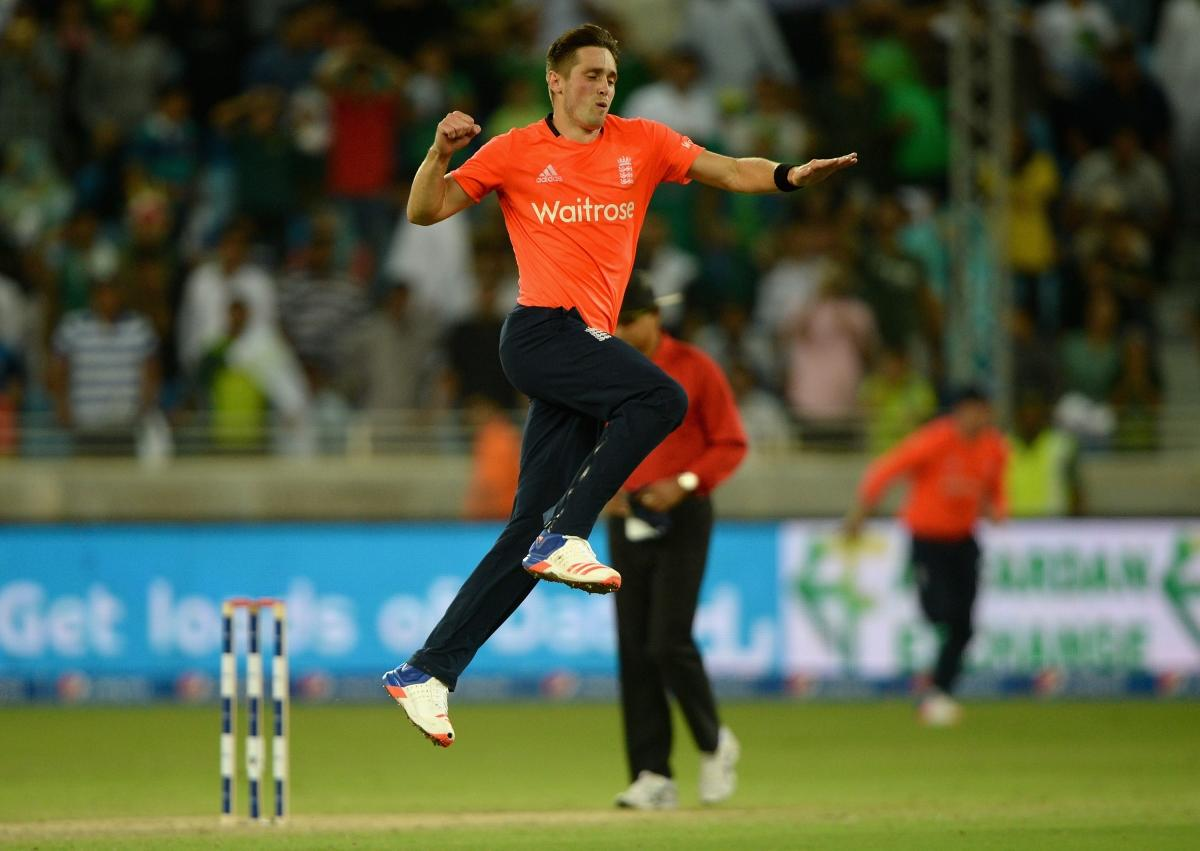 Cricket-England win by three runs, claim T20 series v Pakistan
