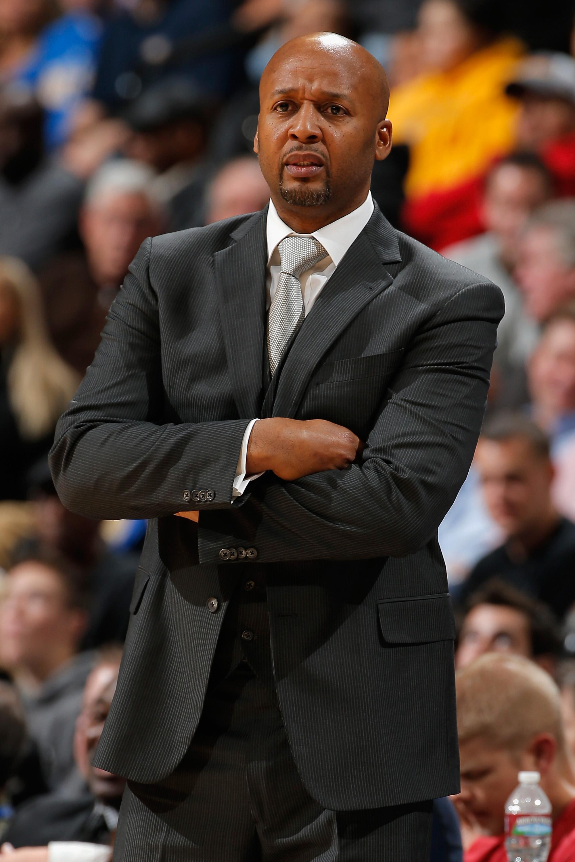 Denver Nuggets fire coach Brian Shaw with team in slide