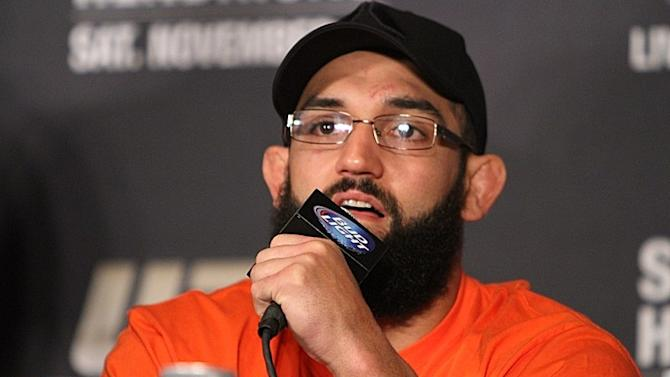 "Johny Hendricks Says His ""Knee is Fine,"" Doesn't Expect to be Sidelined Until 2014"