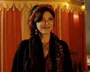 Exclusive Grimm Video: Shohreh Aghdashloo's Mysterious Gypsy Gives Adalind Pause