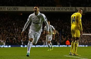 Clint Dempsey scores two in Tottenham's victory over Coventry