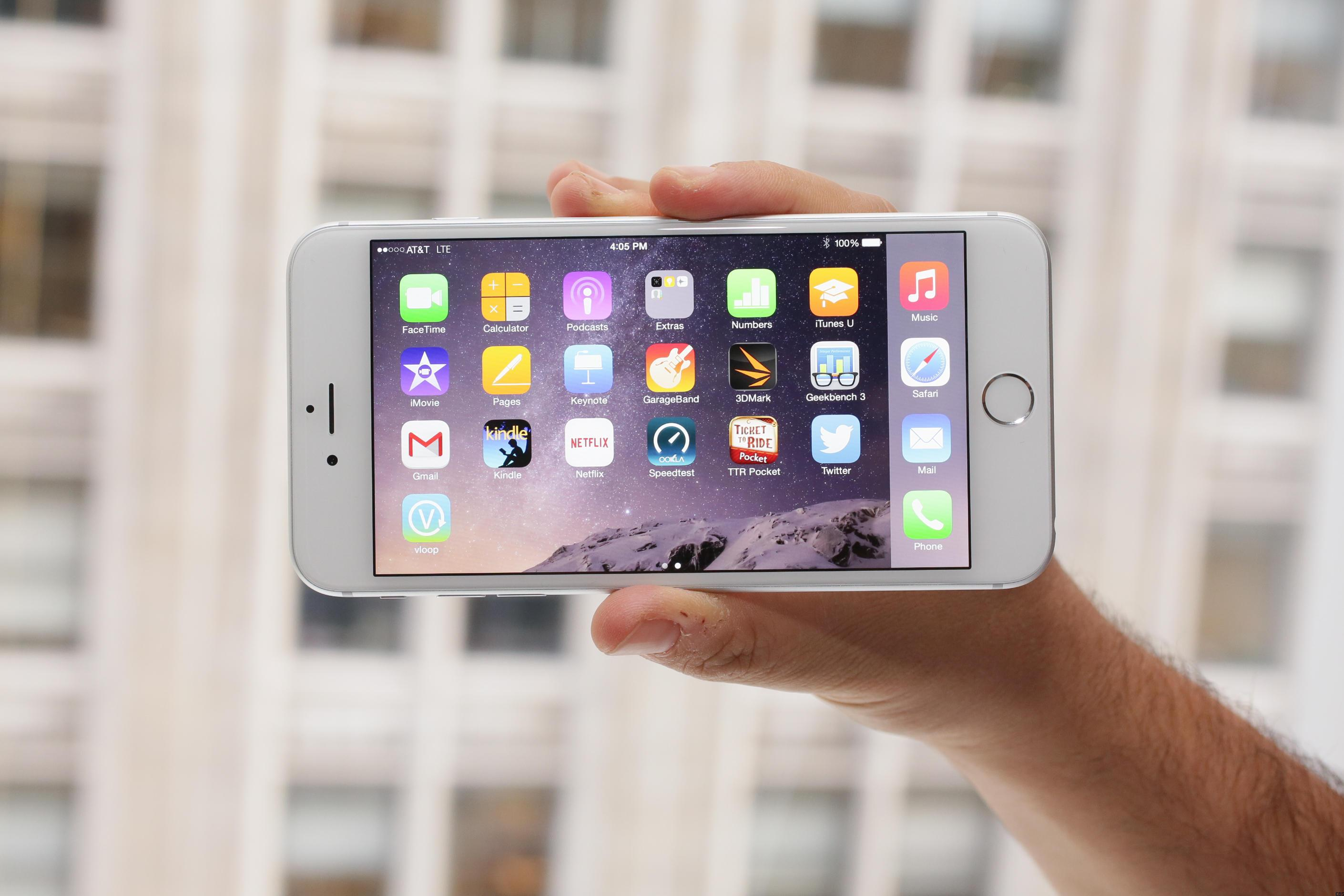iPhone 6 Plus leads phablet sales in US