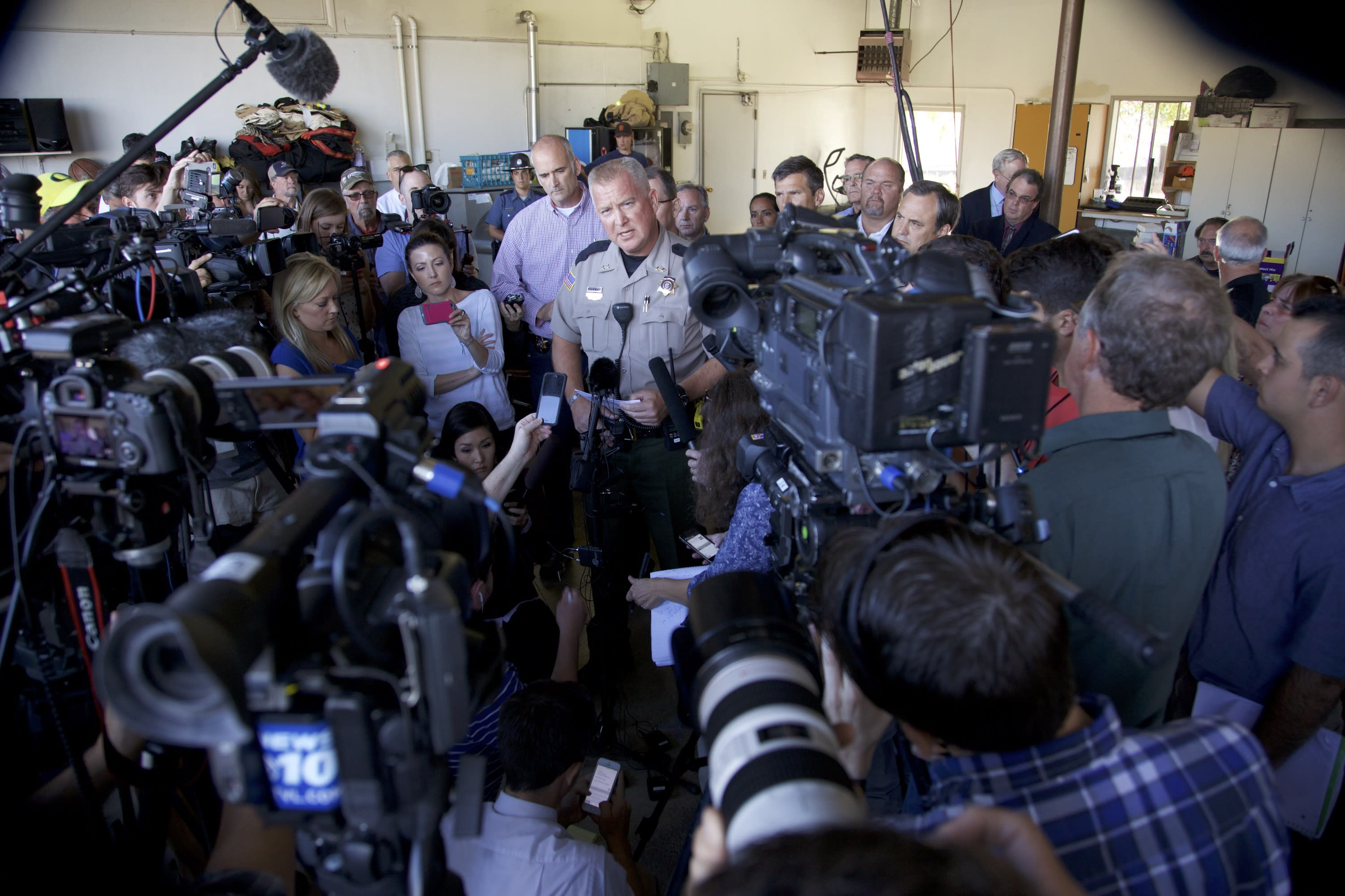 Fox News Channel Leads Cable News Nets As Oregon Community College Shooting News Breaks