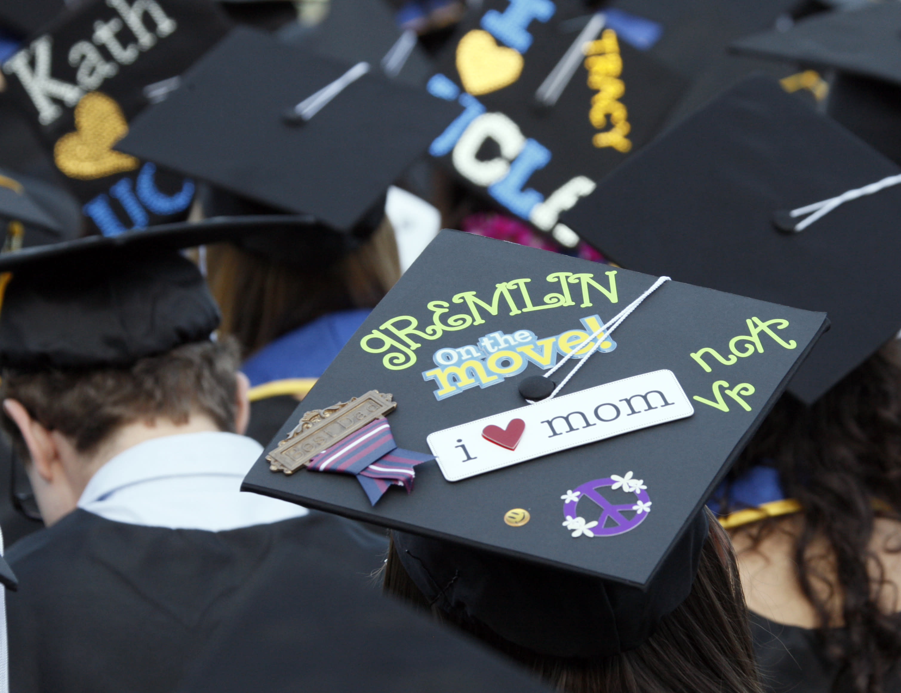 To divest or not to divest: College students on fossil fuel debate