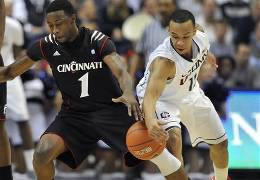 Kilpatrick leads Cincinnati past UConn, 70-67