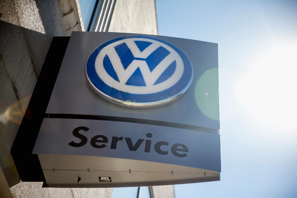 VW to recall 680,000 cars in US over faulty airbags