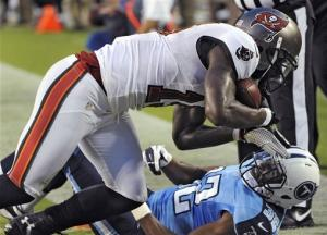 Titans ride Johnson TDs to 30-7 win over Bucs