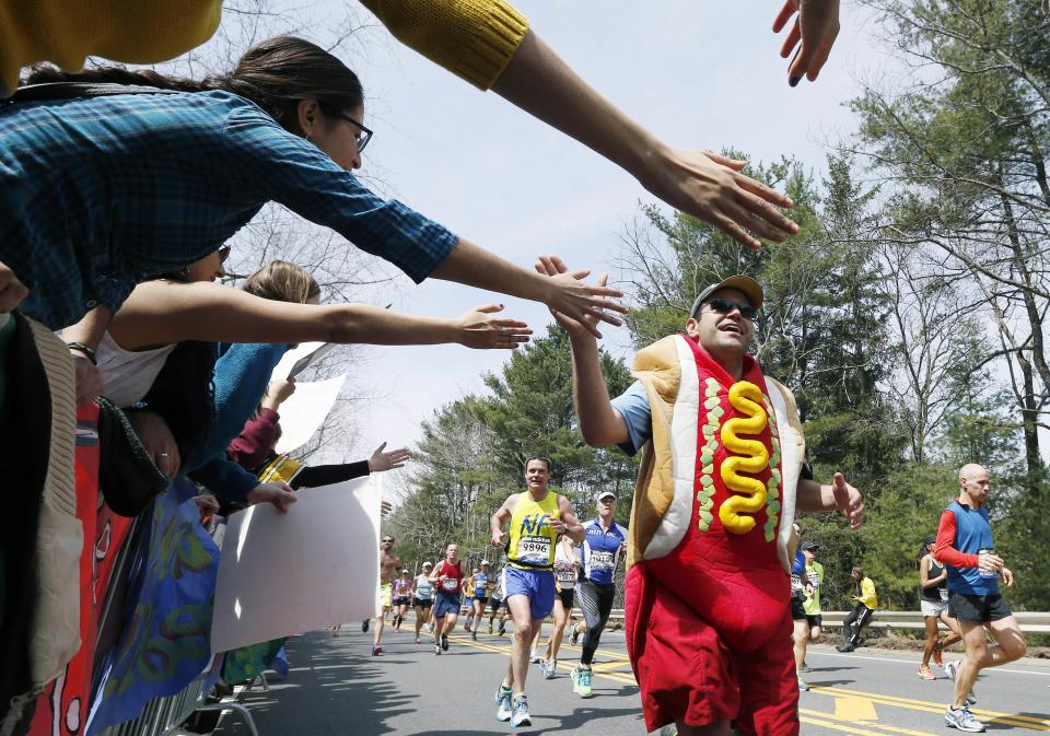 Police seek security balance for Boston Marathon