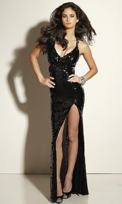 19 hours ago Photo by: promgirl.com Prom dress fail.Too low! Slit!