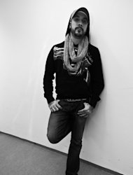 A.J. McLean attend la venue de la cigogne