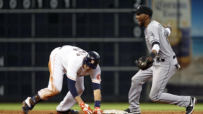 Viciedo's triple leads White Sox over Astros 4-2
