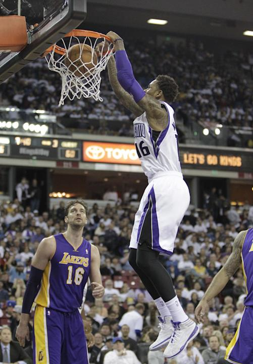 Sacramento Kings guard Ben McLemore, right, stuffs over Los Angeles Lakers Pau Gasol, left, of Spain, during the third18quarter of an NBA basketball game in Sacramento, Calif., Friday, Dec. 6, 2013.