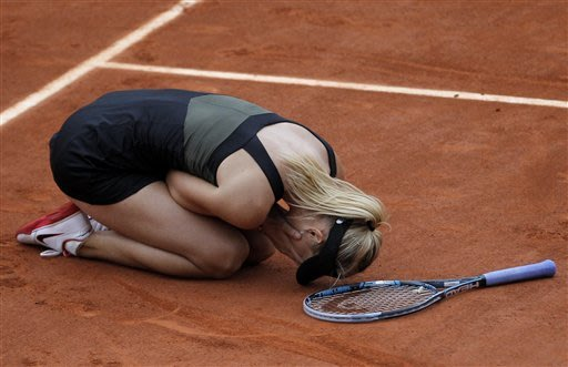 Sharapova beats Errani for 1st French Open title