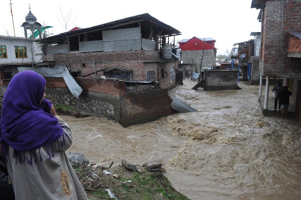 Six bodies pulled from landslides in flood-hit Indian Kashmir