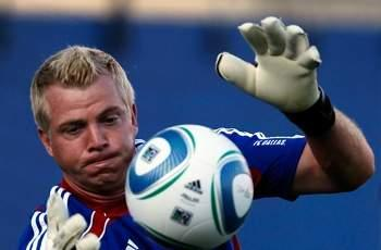 New York Red Bulls sign goalkeeper Kevin Hartman