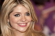 Holly Willoughby's lack of makeup might have hit the headlines last week but when Grazia Daily met the gorgeous telly star to celebrate her new role as the face of Oral-B toothpaste, she spilled on her beauty bag secrets