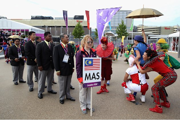 Malaysia arrives in London's Olympic Village