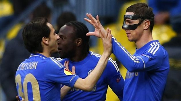 Chelsea's Fernando Torres (R) celebrates his goal with team mates Victor Moses (C) and Yossi Benayoun (Reuters)