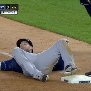 Pigeon gives Kiermaier a scare