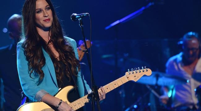 Alanis Morisette's Former Manager Admits To Embezzling $4.8 Million From Her