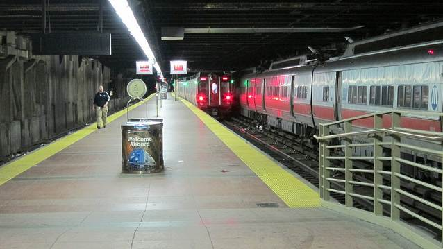 Hurricane Sandy Turns NY Subways Into Ghost Town [PICS]