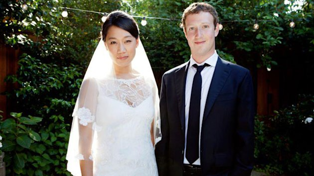 Mark Zuckerberg Weds Longtime Girlfriend