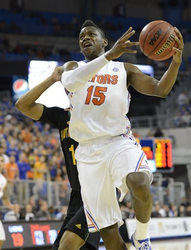 No. 8 Florida routs Southeastern Louisiana 82-43