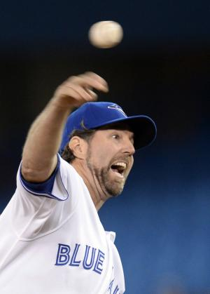 Dickey, Francisco lead Blue Jays over Indians