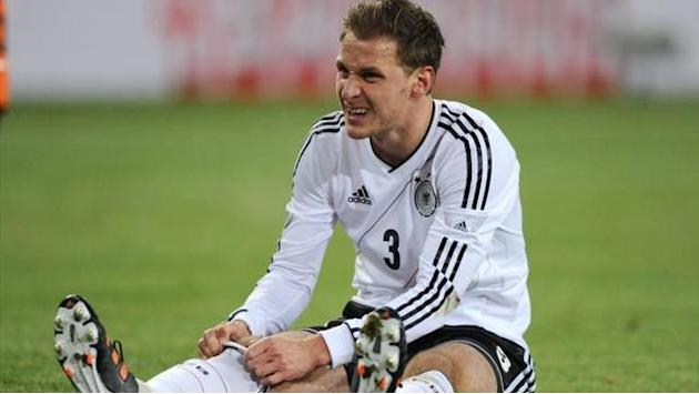 World Cup - Germany's Gomez, Hoewedes ruled out against Kazakhstan