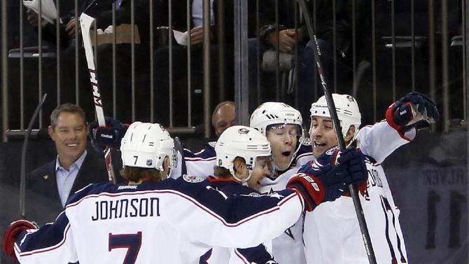 Columbus scores 3 in 1st, top Rangers