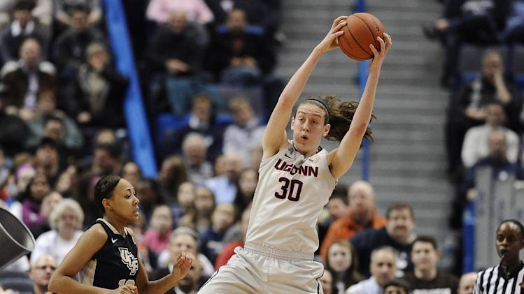 No. 1 UConn women rout UCF 83-35, remain unbeaten
