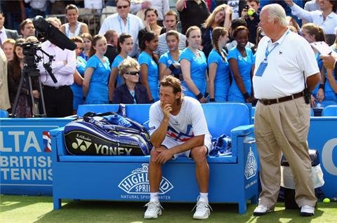 Nalbandian disqualified from Queen's final