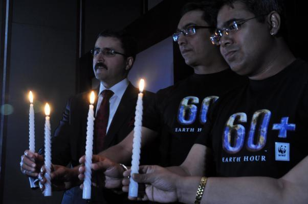 Actor Mir, Anurag Danda, Head of WWF India's Sundarbans Programme, ITC GM Atul Bhalla during a press conference regarding upcoming  Earth Hour 2014 in Kolkata on March 10, 2014. (Photo: Kuntal Cha