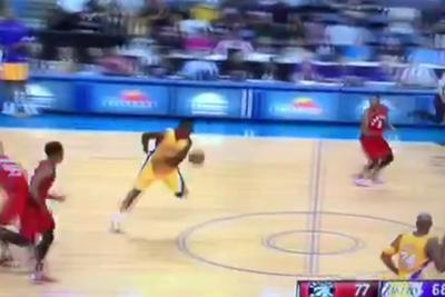 Julius Randle brings back Showtime with behind-the-back, fast break pass to Kobe Bryant