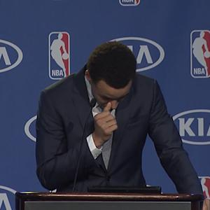 Stephen Curry gives emotional MVP speech