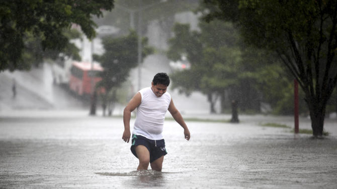 Hurricane Ingrid, TS Manuel near Mexico, kill 12