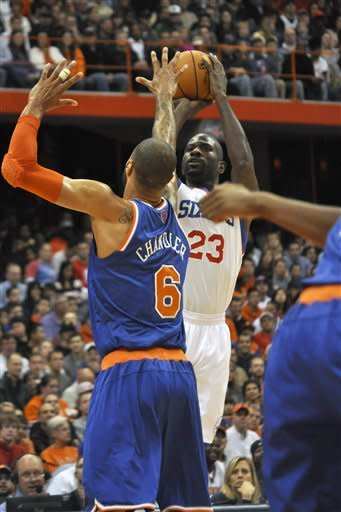 Melo back at SU, Sixers still beat Knicks 98-90