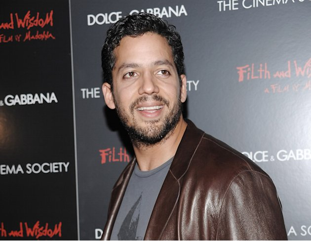 "FILE - This Oct. 13, 2008 file photo shows David Blaine attending a Cinema Society and Dolce Gabbana hosted special screening of ""Filth and Wisdom"" in New York. Blaine is returning to New York City Oc"