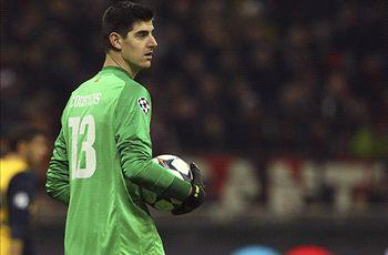 Courtois laughs off Real Madrid links