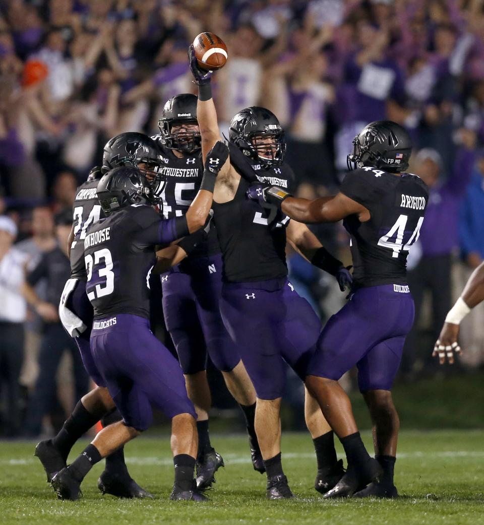 Hyde leads Ohio State past Northwestern, 40-30
