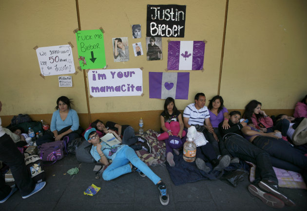 Bieber fans Camp Out In Mexico Before Free Concert