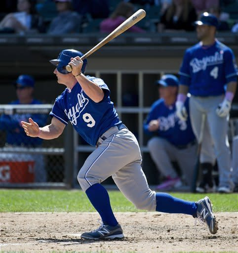 Surging Royals beat White Sox 9-1