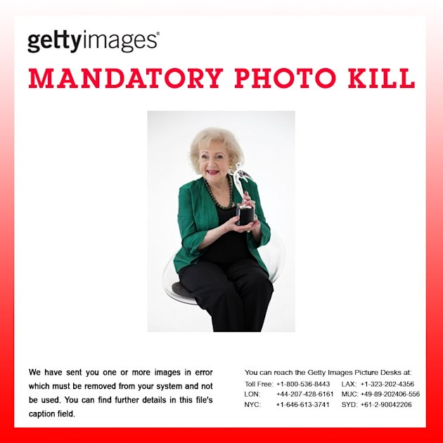ATTENTION EDITORS &gt; PHOTO KILL:   Betty White Fashion Shoot For The Lifeline Program