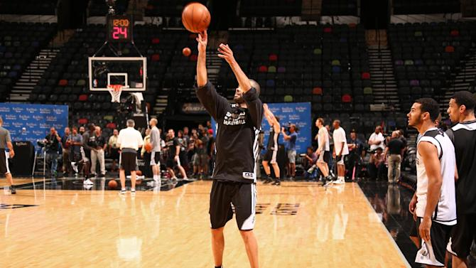 Spurs' Parker is a go for Game 1 of the finals